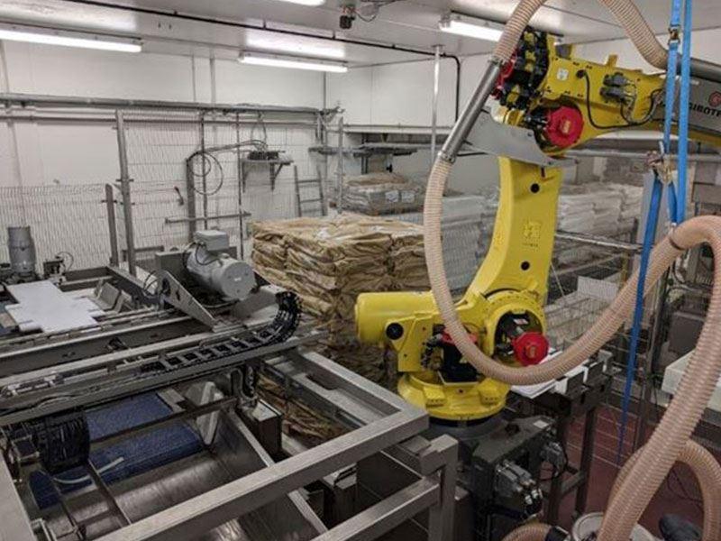 Det har blitt utviklet en robotløsning for avemballering av frosne fiskeblokker til klippfiskproduksjon. Prototyp-løsningen er montert og klar til igangkjøring i første kvartal 2020
